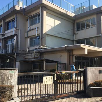 練馬区立田柄第二小学校:徒歩8分(約596m)
