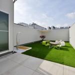 屋上にも10年保証。揺れやたわみに強い金属防水を採用。