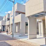 住人だけが通行する街区道路はインターロッキングブロックを採用。(石神井公園415現地)