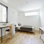 通常の透湿防水シートに加え、赤外線を75%カットした透湿防水遮熱シートを採用。屋内の冷暖房効率が向上し省エネルギーに貢献。(子供部屋)