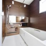 同シリーズ  ダブル保温構造でお湯が冷めにくいサーモバスSを採用。(風呂)
